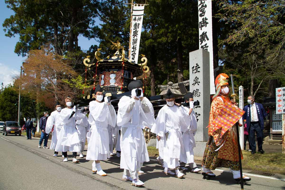 陸奥総社宮例祭の神輿